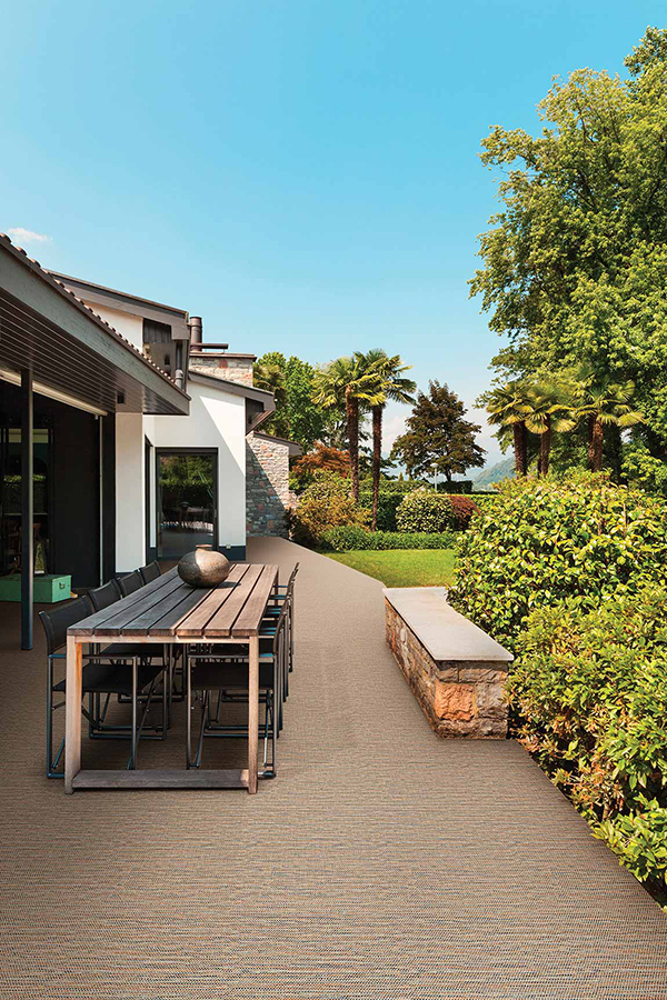 Carpet on the patio that can withstand outdoor elements